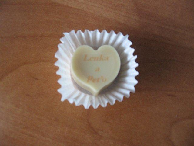 Lienocka a Petrík - darčeky pre hostí...čokoládka s našimi menamí