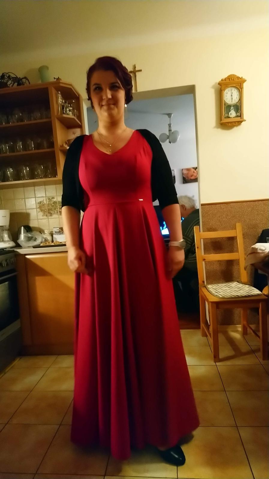 Spoločenské malinove šaty  - Obrázok č. 1