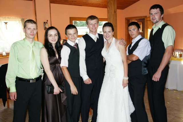 Nika{{_AND_}}Jaro - zenichov brat a coskoro svagrinka:) no a moji traja bratia :)