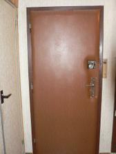 původní vchodové dveře