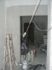 pohled od koupelny do haly