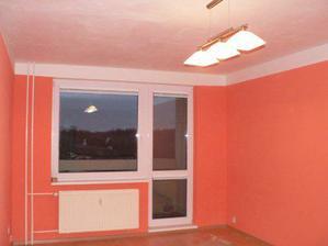 obýváček v barvách a s novými okny