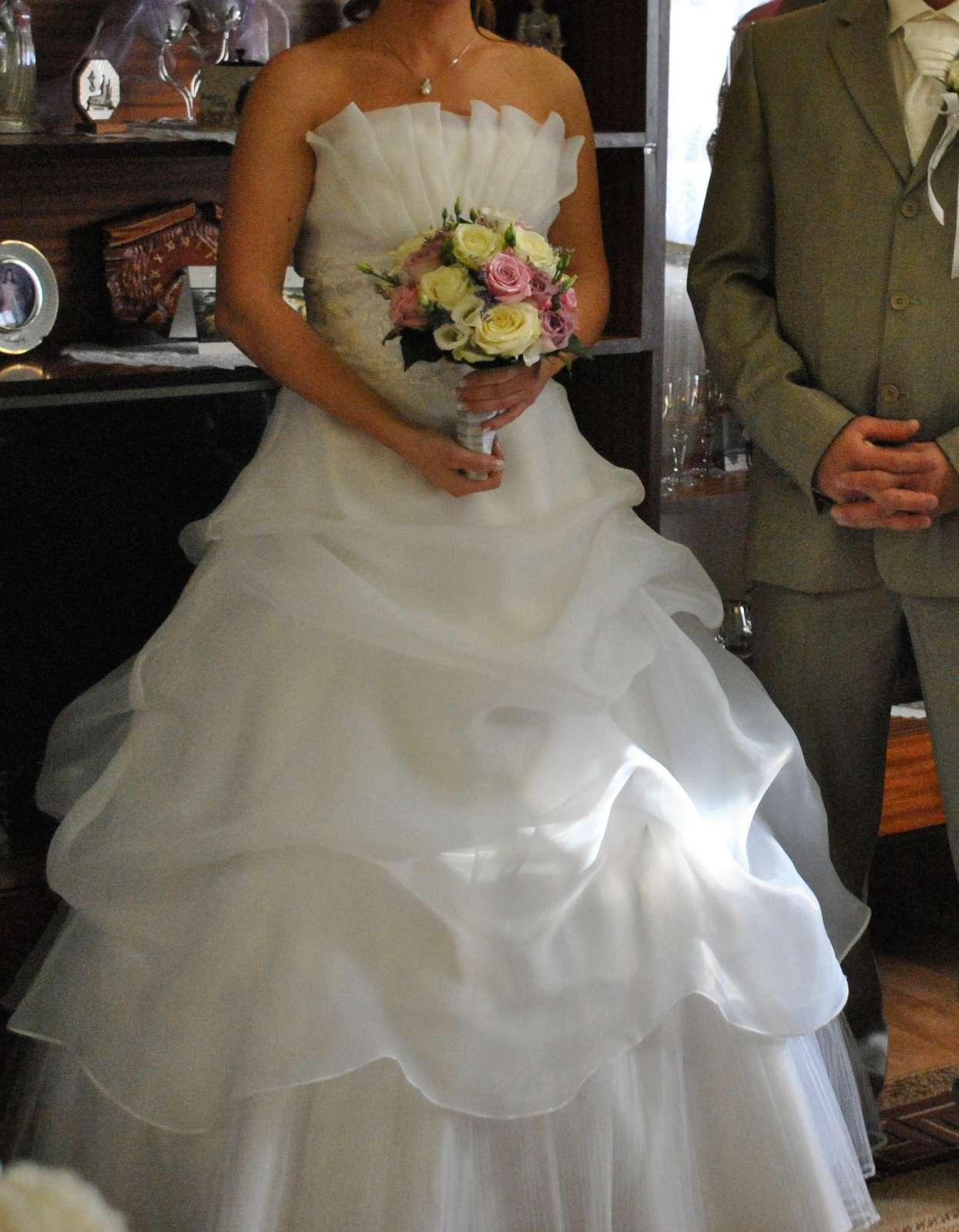 Svadobné šaty pre nižšie nevesty - Obrázok č. 1