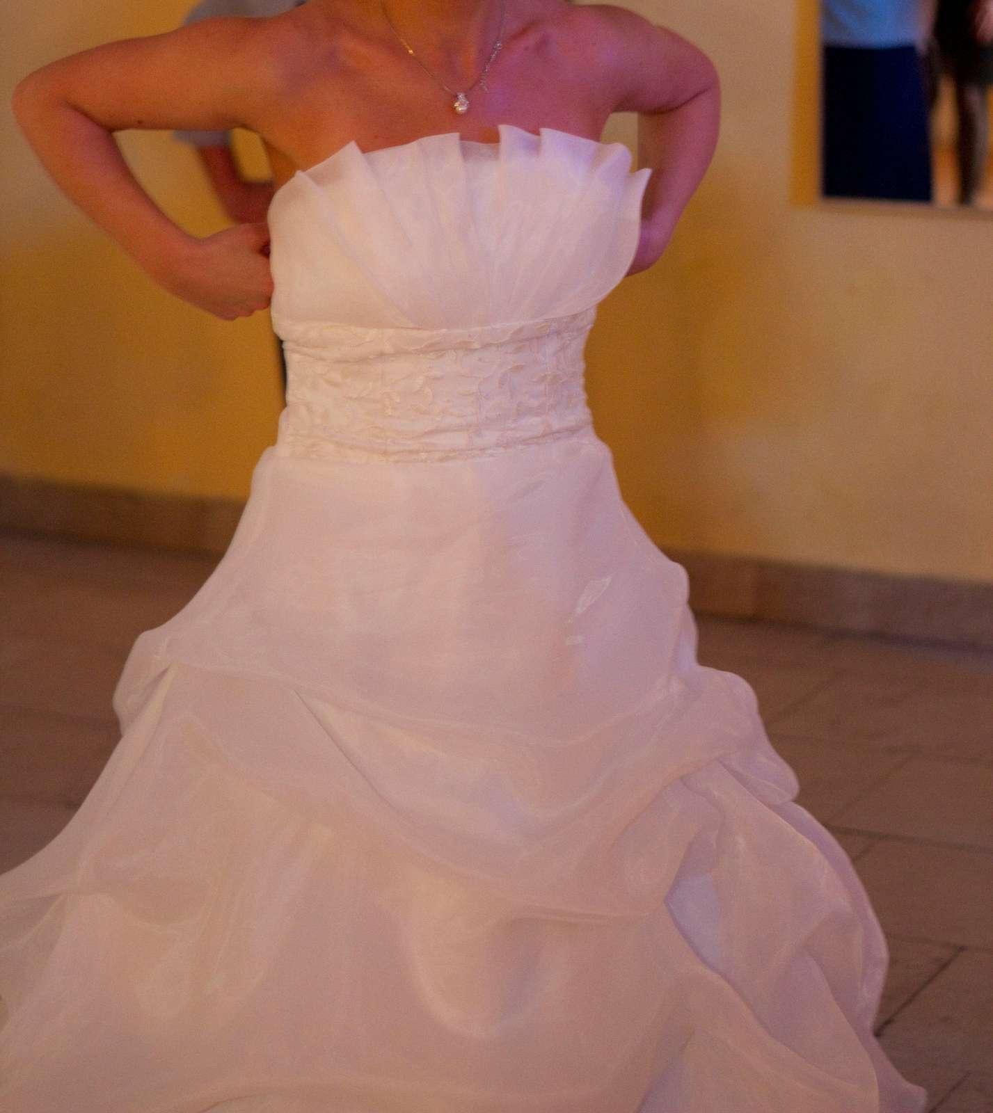 Svadobné šaty pre nižšie nevesty - Obrázok č. 2