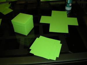 malé krabičky na dárečky (rozměr 5 x 5 x 5)