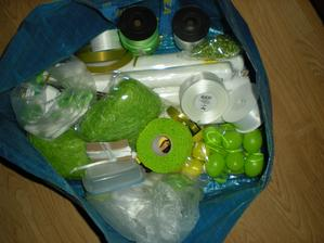 moje ikeácká taška svatebního náčiní... :-) teda jedna z mnoha tašek... :-)