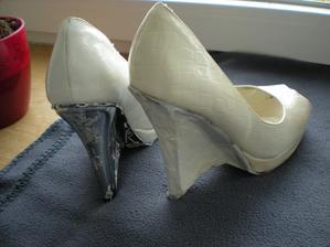 to bude čištění toho klínku.... :-) druhá bota před stříkáním... :-)