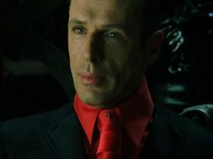 uzel na kravatě