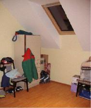 "Jedna detská izba. Momentálne je ""bordelová"" na odkladanie vecí a tak."