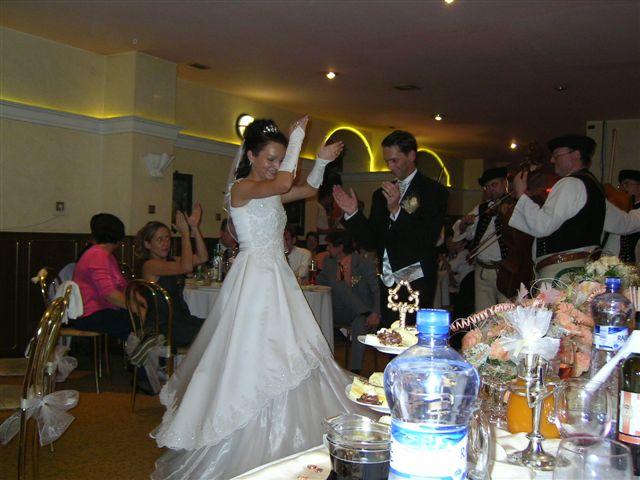 Silvia Madigarova{{_AND_}}Alessandro Casa - terchovske tancovanie...ja a moj muzik..snazil sa ..ale talian nevie moc tancovat odzemok ;-)))))
