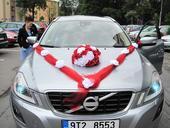 Ozdoba na auto pro nevěstu,