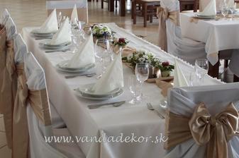 takto nejako stoly :)