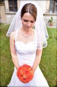 Svatební šaty pro menší nevěstu, 37