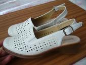 lahučke sandale, 42
