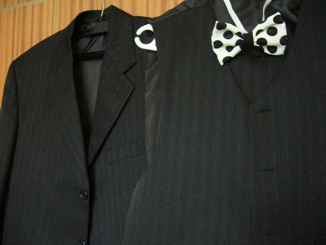 oblek s vestou + motylik - Obrázok č. 2