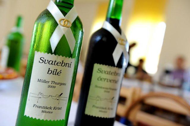 L.{{_AND_}}A. - Etikety jsme si dělali sami, víno je domácí