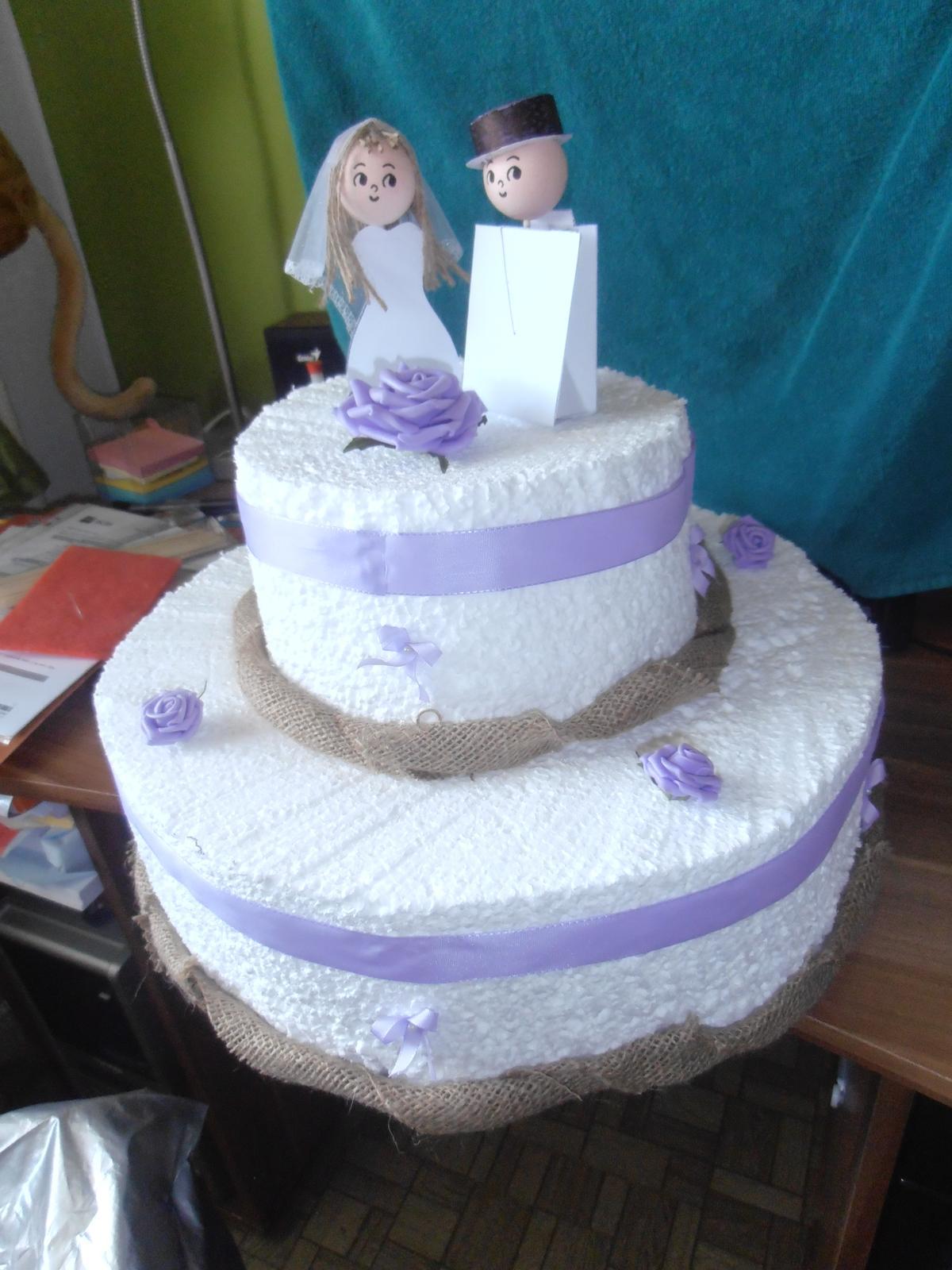 Domácí tvorba :) - Atrapa svatebního dortu :)