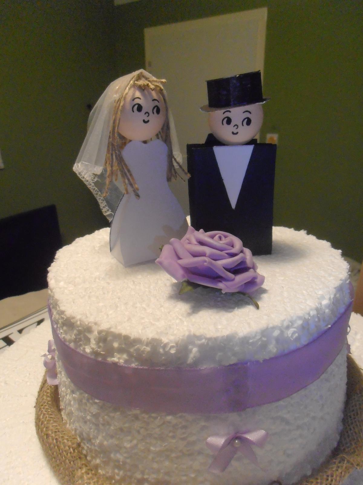 Domácí tvorba :) - Ne příliš dokonalé figurky na dort :)