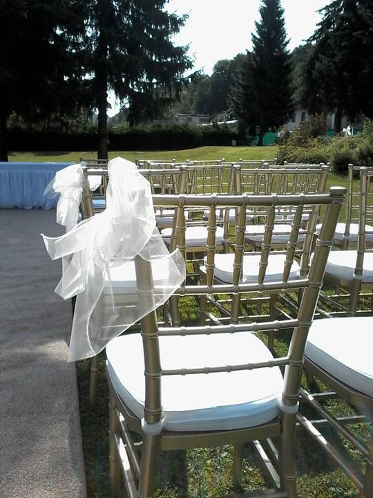 Půjčovna: stolů, lavic, židlí, ubrusů, potahů a dekorací - Obrázek č. 21
