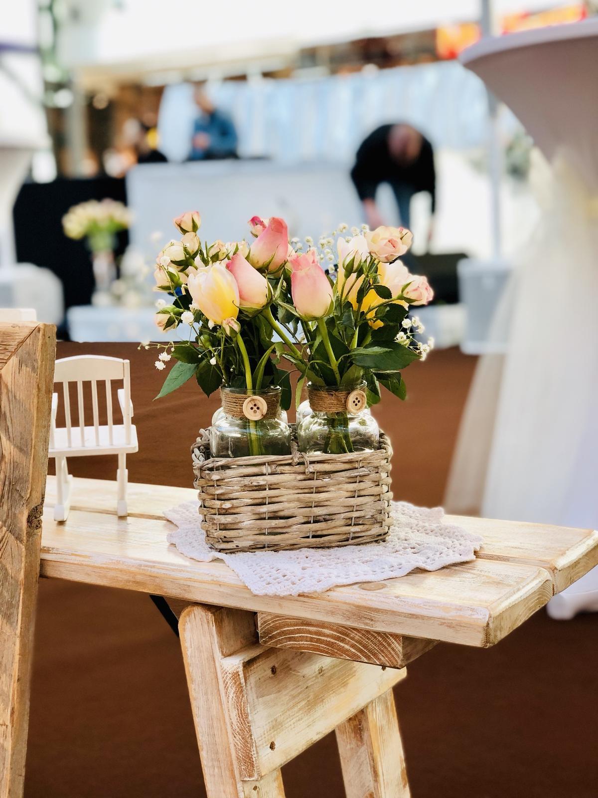 Půjčovna: stolů, lavic, židlí, ubrusů, potahů a dekorací - Obrázek č. 101