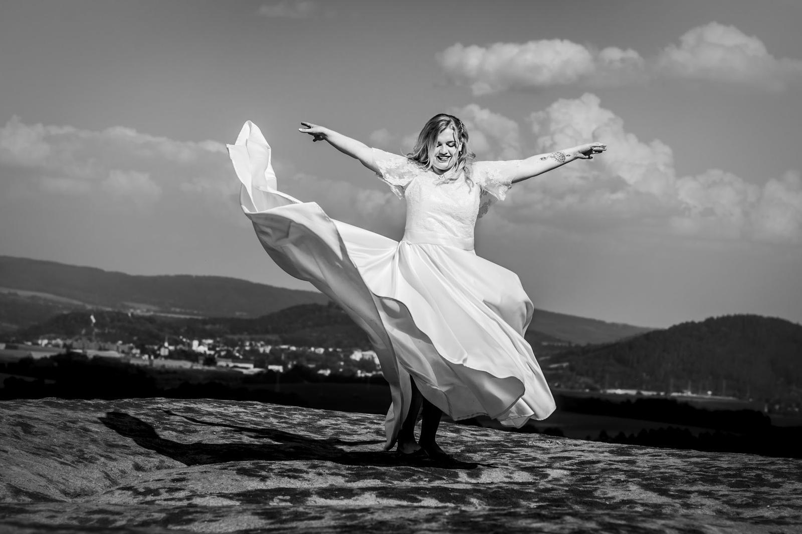 Svatební šaty- ručně šité- IVORY - Obrázek č. 2