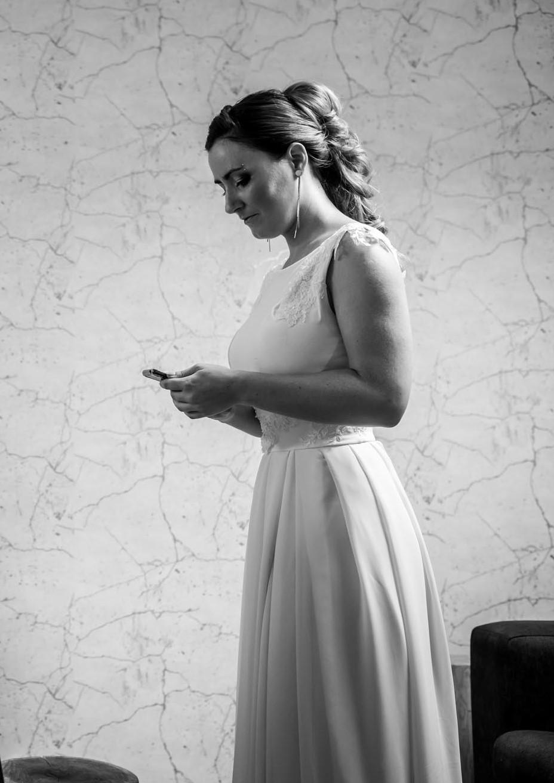 Elastické šaty pošité krajkou -  vel. 36 - Obrázek č. 1