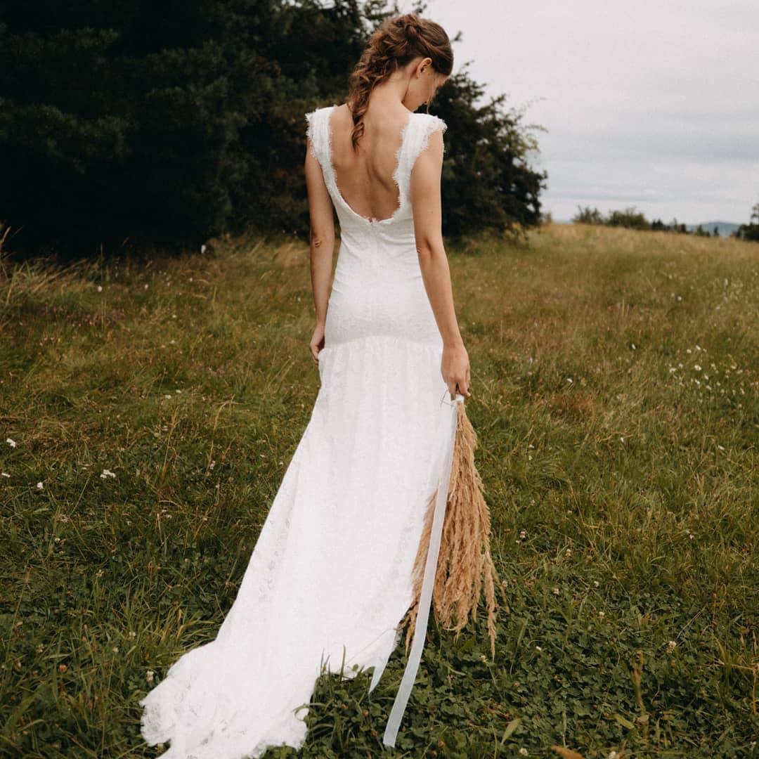 Celokrajkové svatební šaty vel. 36 - Obrázek č. 1