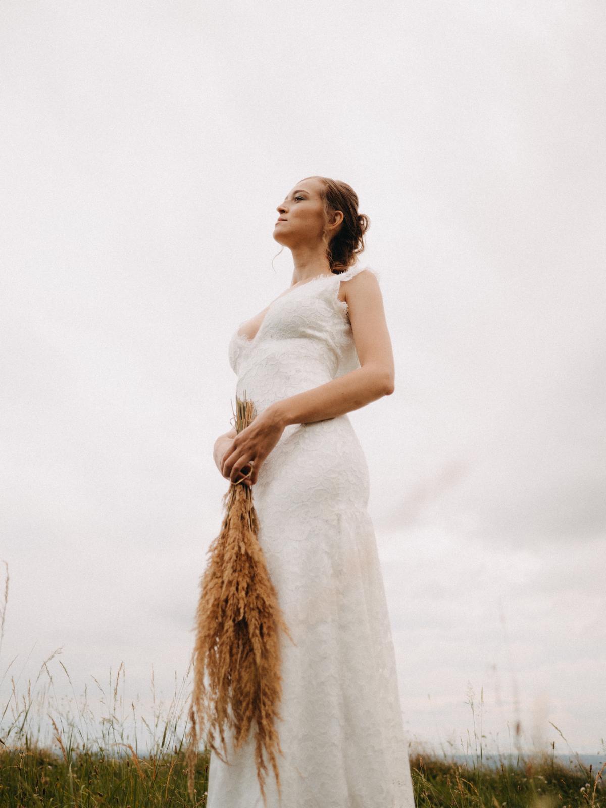 Celokrajkové svatební šaty vel. 36 - Obrázek č. 2