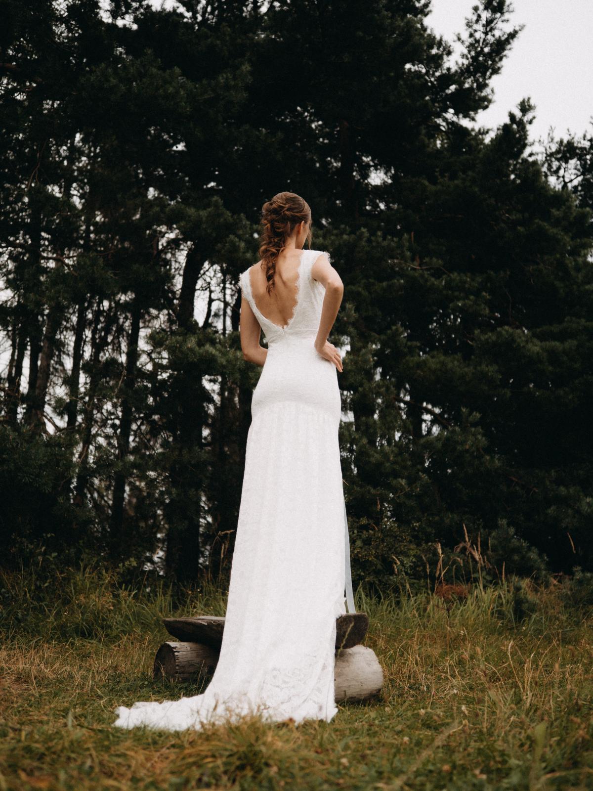 Celokrajkové svatební šaty vel. 36 - Obrázek č. 4
