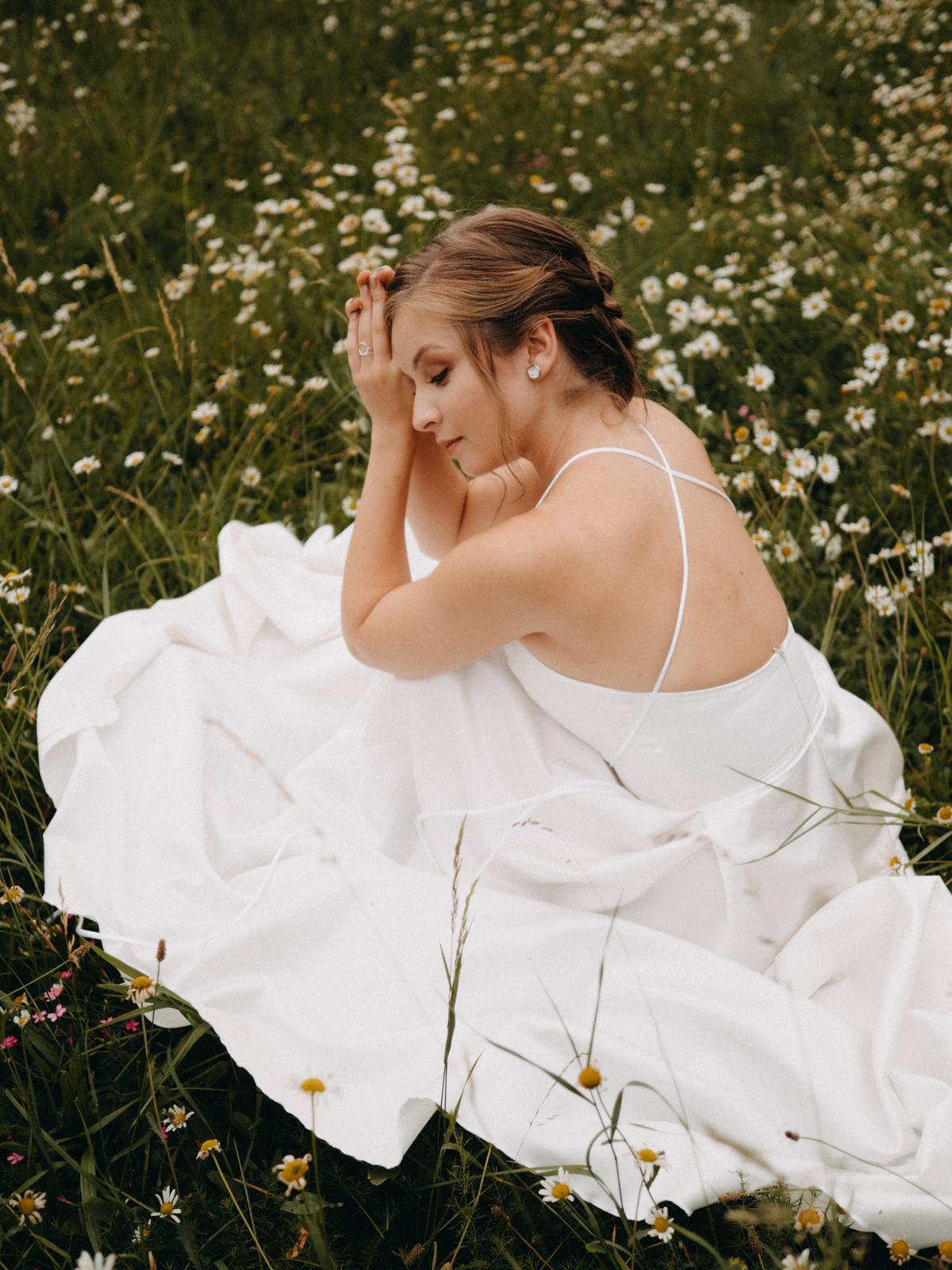 Saténové šaty vel. 36 - Obrázek č. 1