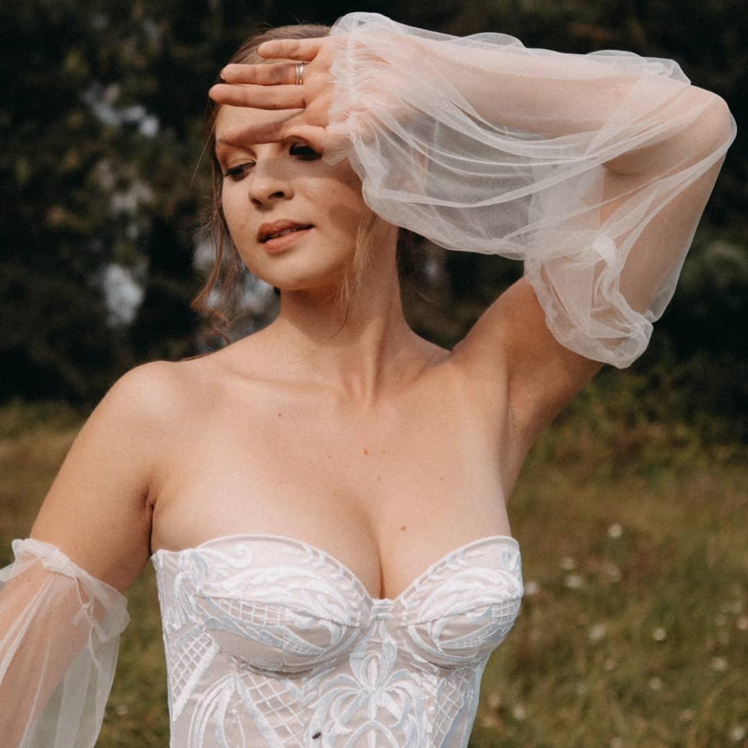 Krajkové korzetové šaty vel. 36-38 - Obrázek č. 1