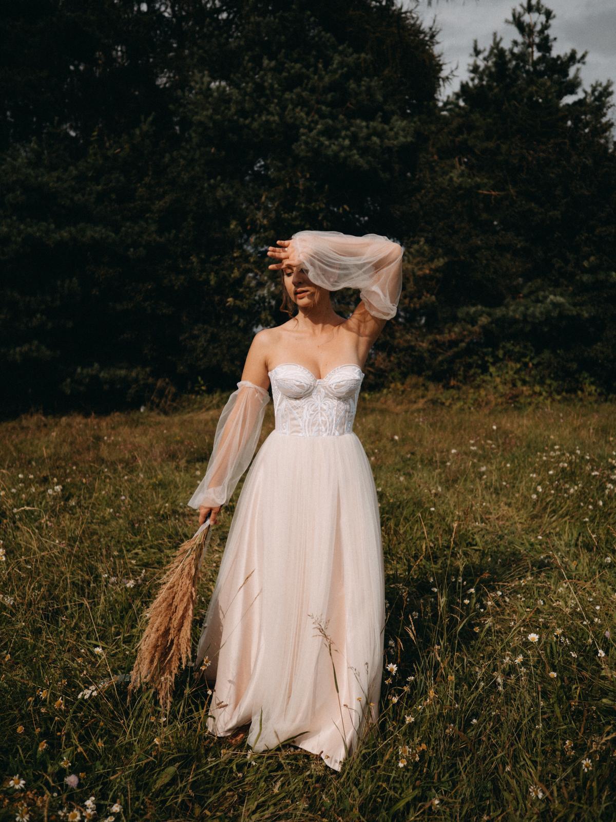 Krajkové korzetové šaty vel. 36-38 - Obrázek č. 4