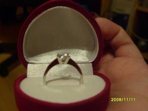 takýto prstienok som dostala od mojho draheho