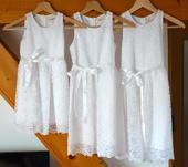 Bílé krajkové šaty pro družičky, 140