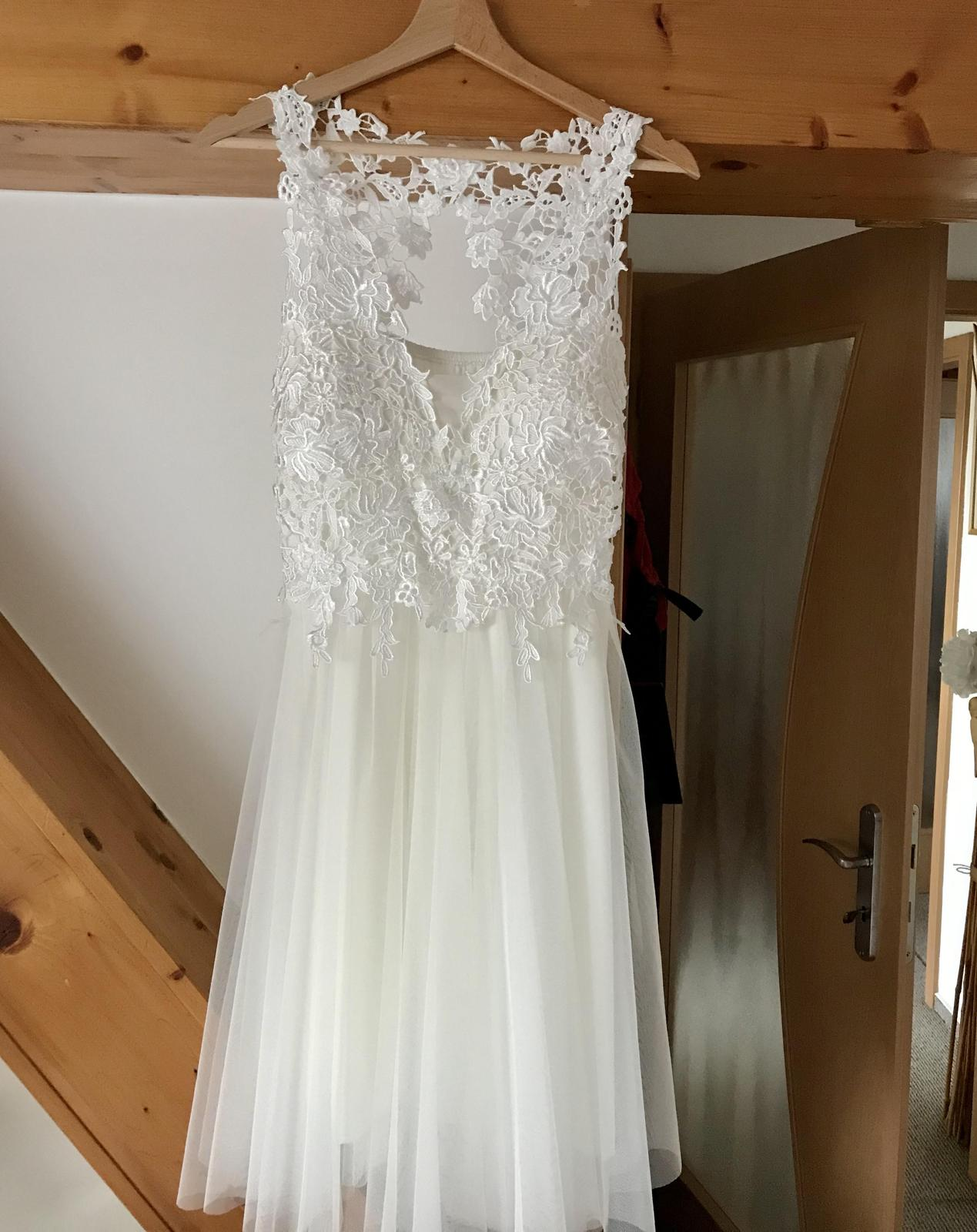 Krátké večerní svatební šaty - Obrázek č. 1