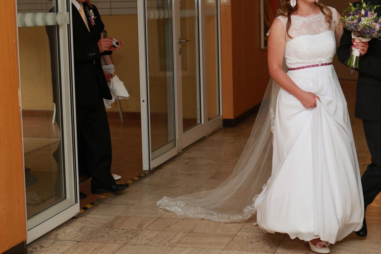 svadobné šaty aj na ľudovú nôtu - Obrázok č. 4