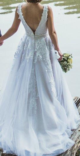 Predám svadobné šaty s vlečkou - Obrázok č. 1