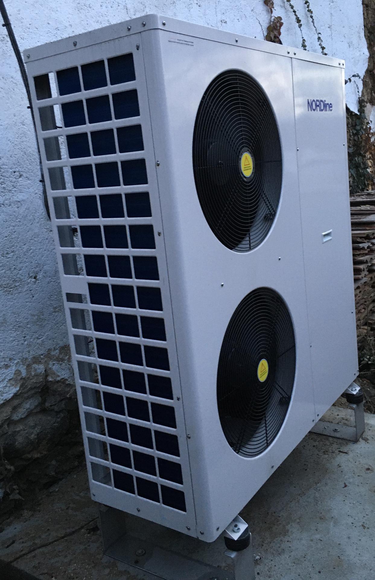 2020 😍 🌞 - Prvni sezona na chalupe bez uhli je zatim super, ovsem letosni zima nas moc nezkousi :-)