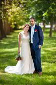 Krajkové svatební šaty s vlečkou, 38