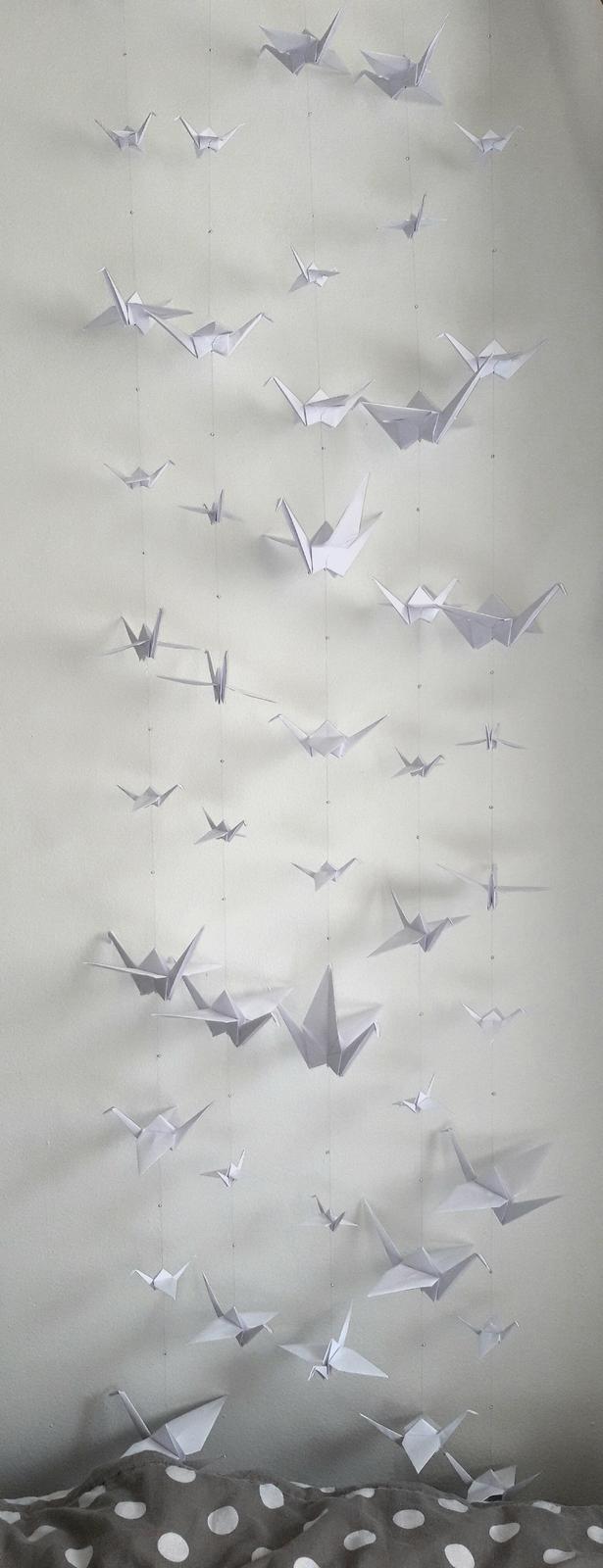 Závěs origami jeřábků s korálky bílé barvy  - Obrázek č. 1