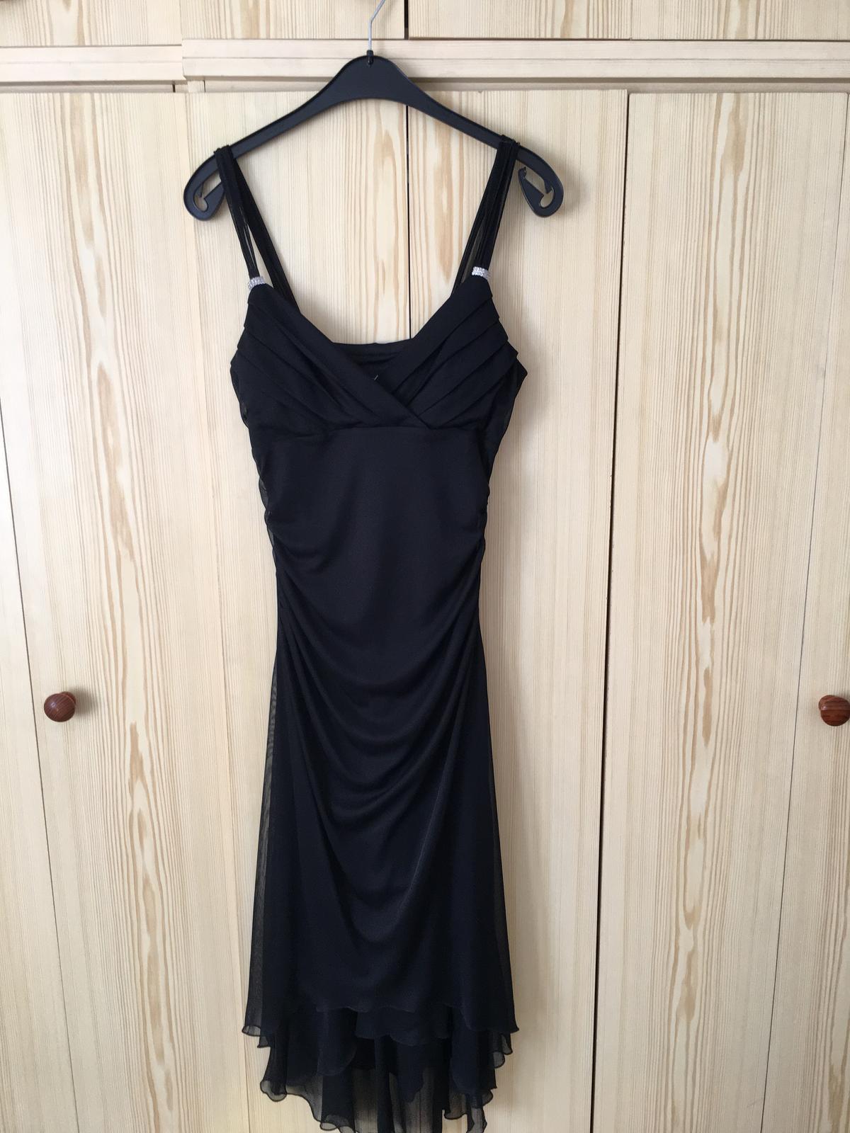 Elegantné spoločenské šaty - 38 - Obrázok č. 1