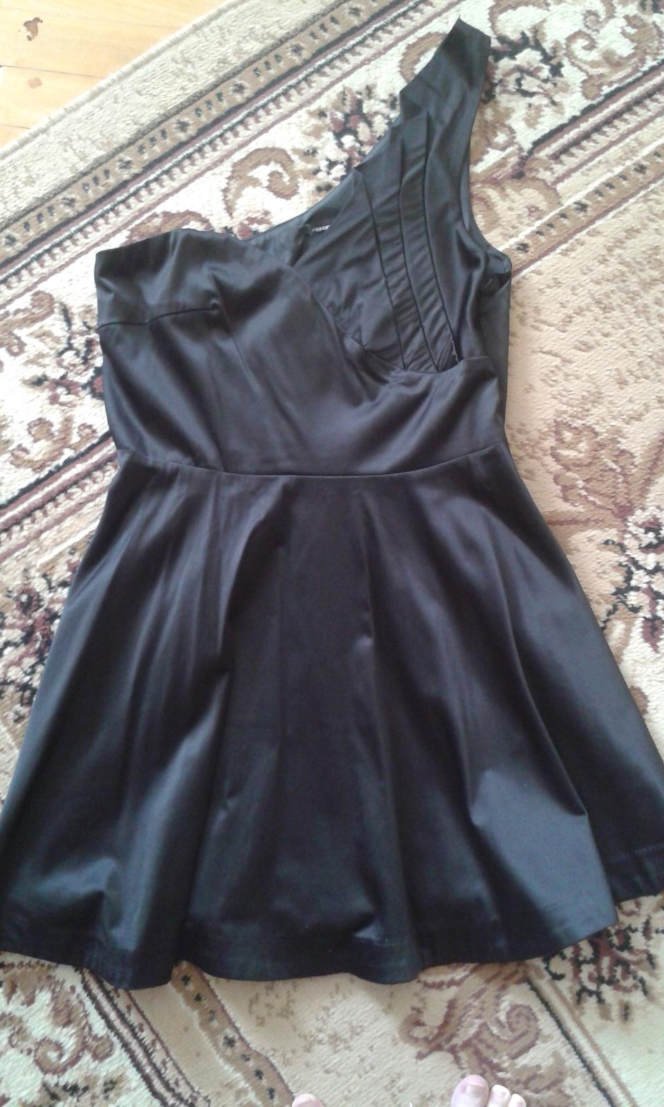 Spoločenské/letné šaty - Obrázok č. 1