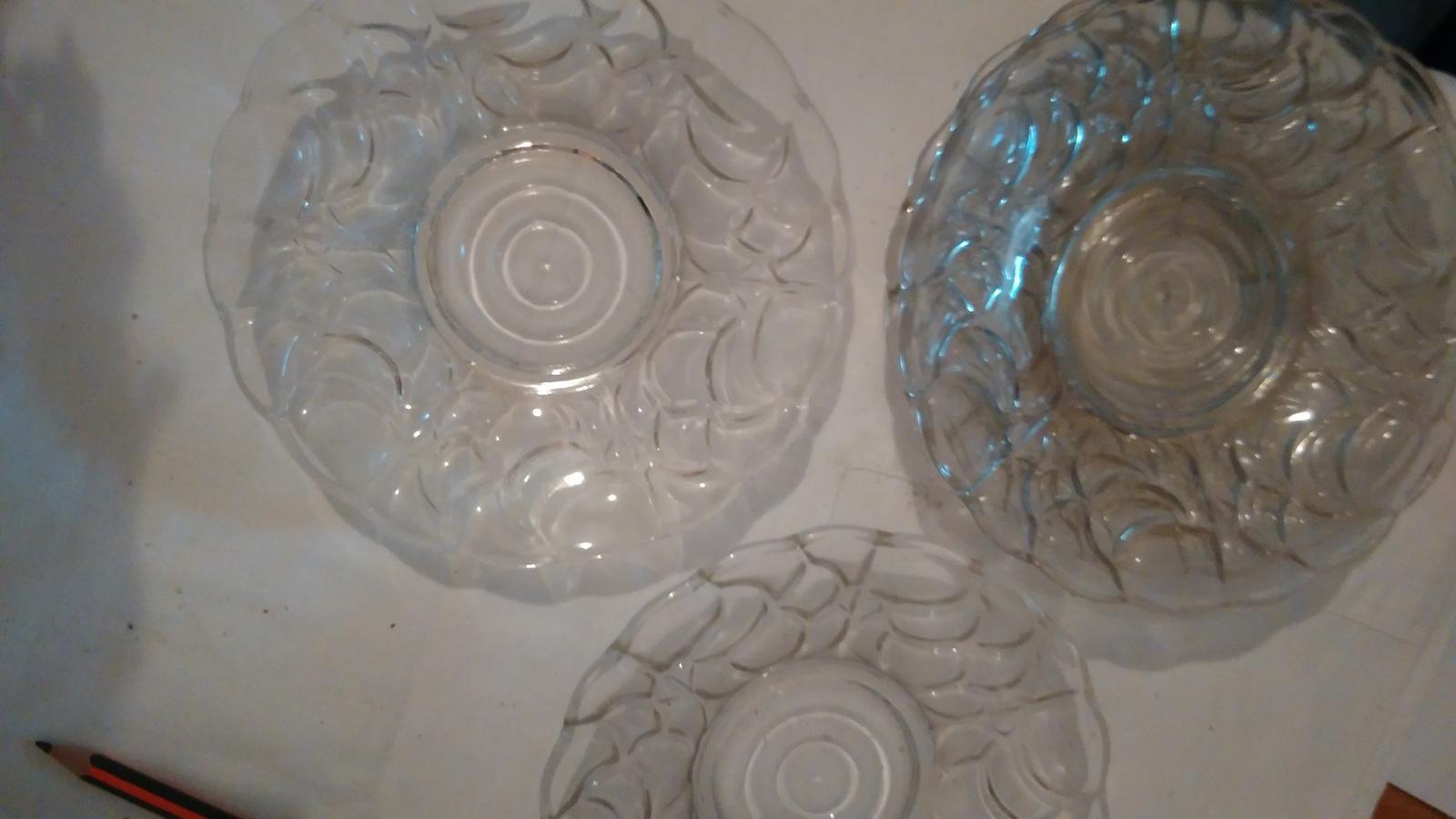 3 sklenené tanieriky - Obrázok č. 2