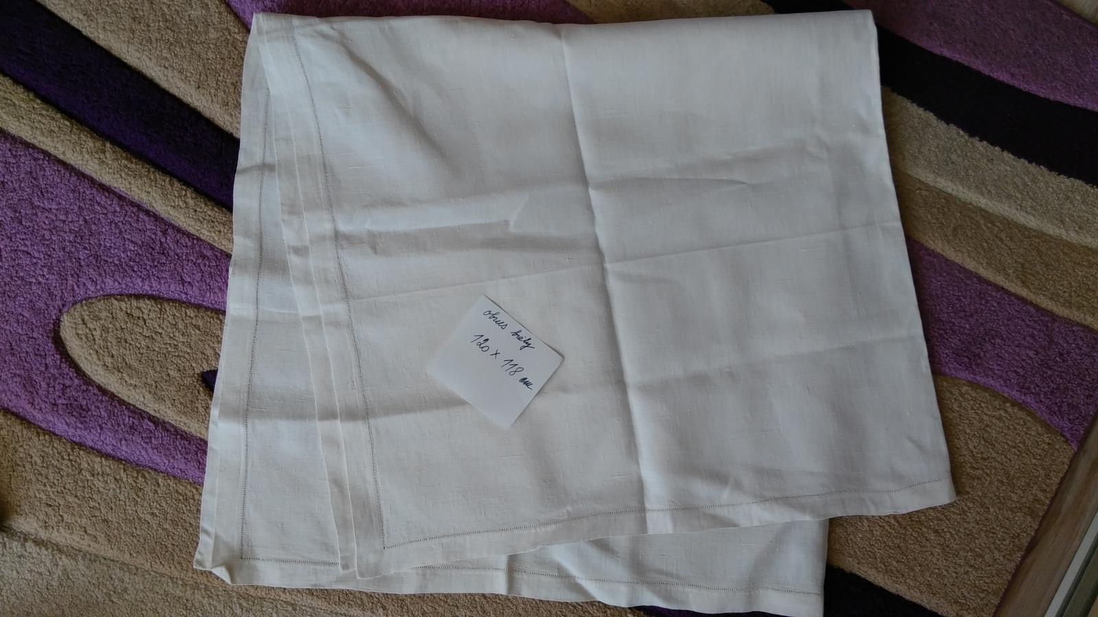 obrus biely s ažúrou - Obrázok č. 1