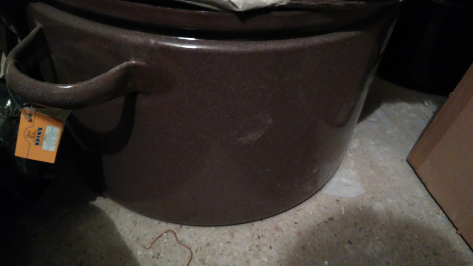 obrovský hrniec s pokrievkou - Obrázok č. 1