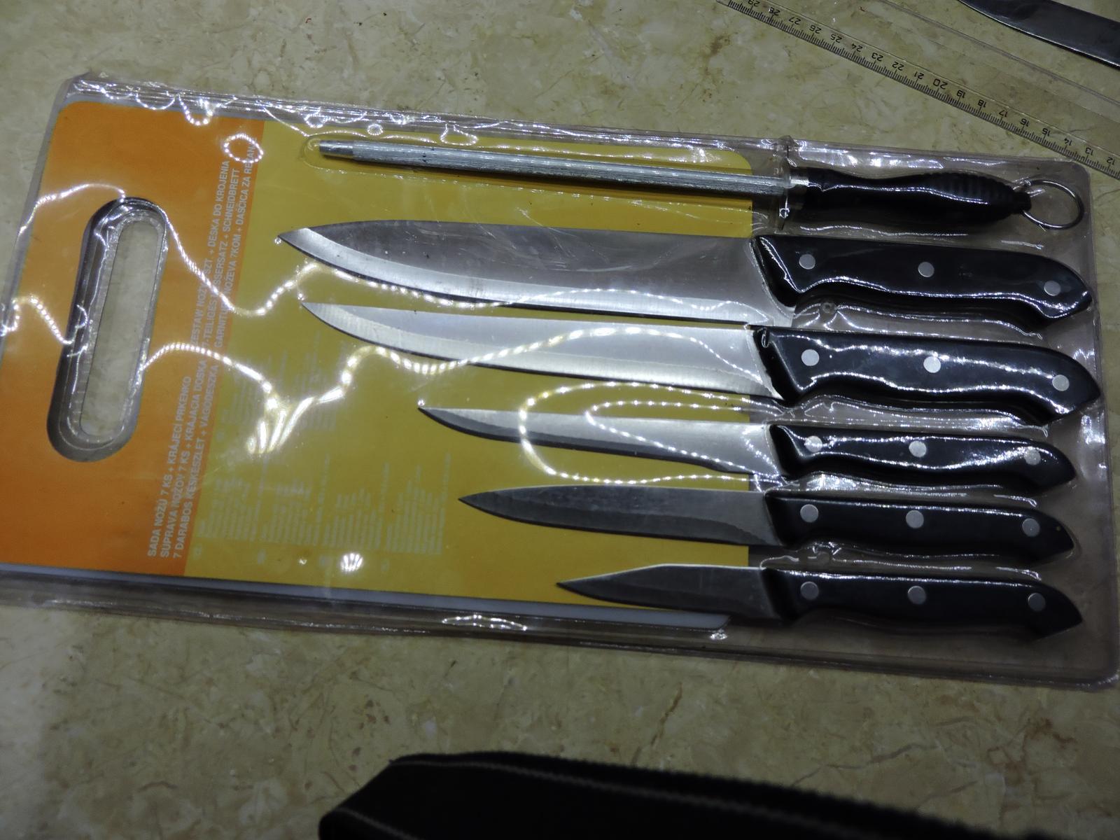 sada nožov s krájacou doskou - Obrázok č. 1