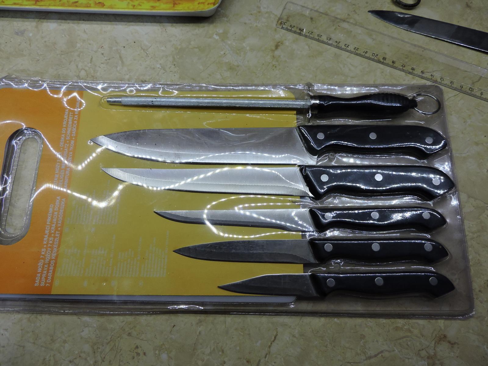 sada nožov s krájacou doskou - Obrázok č. 2