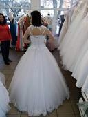 Záloha na svatební šaty, 36