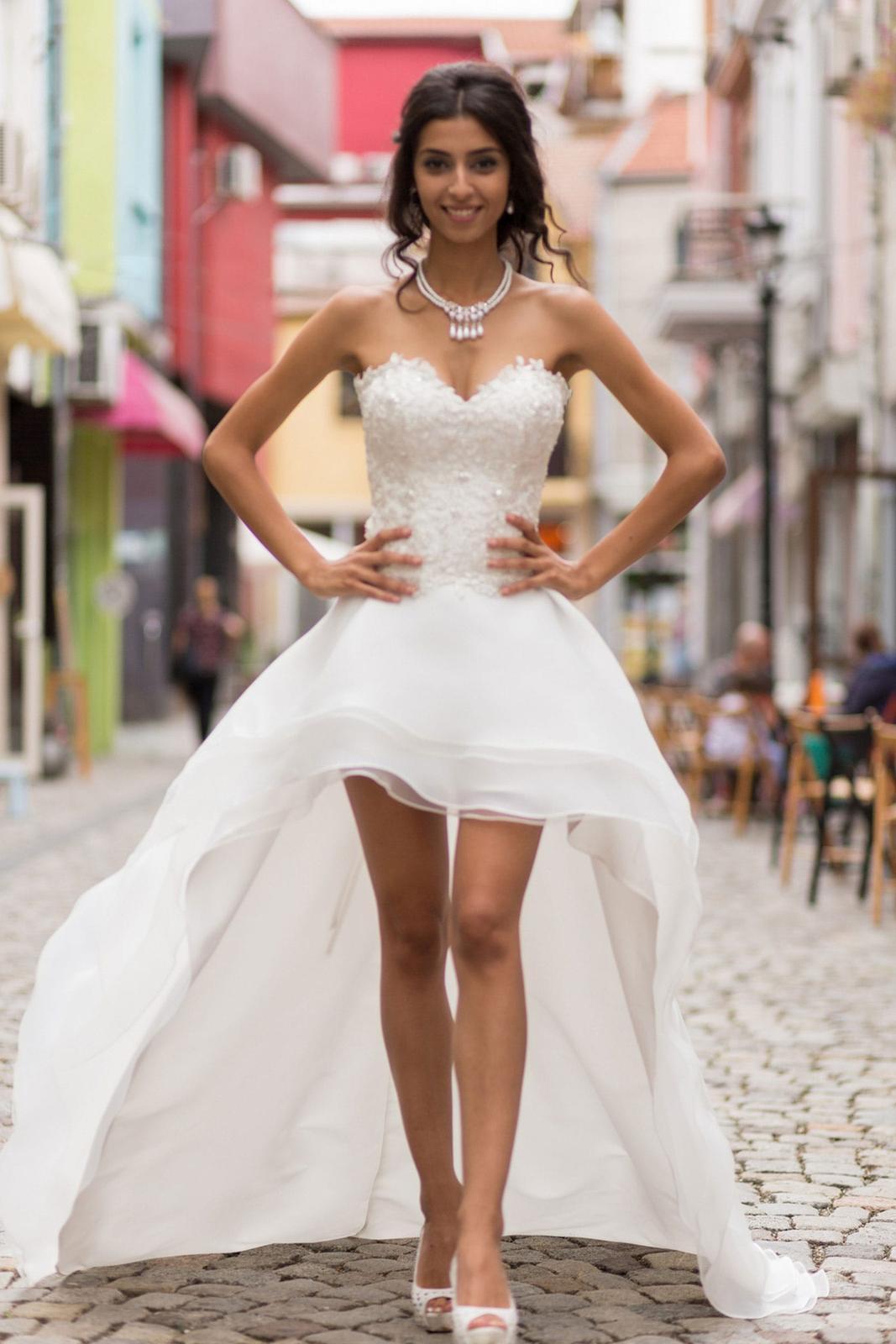 kratke/asymetricke svadobne saty z Talianska/Milana - Obrázok č. 1