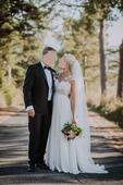Nádherné padavé svadobné šaty, 40
